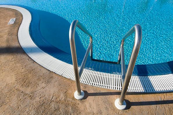 2007「Swimming pool at the Islander Resort, located in the Florida Keys community of Islamorada. USA.」:写真・画像(13)[壁紙.com]