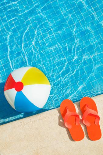 Vertical「Swimming Pool Summer Fun with Floating Beach Ball, Flip Flops」:スマホ壁紙(16)