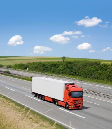 Passenger Cabin「White modern truck on german highway」:スマホ壁紙(0)