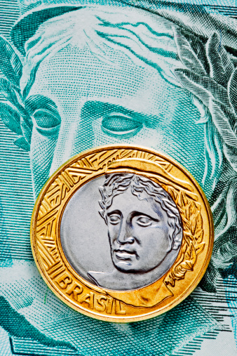 Male Likeness「A Brazilian one real coin on a banknote」:スマホ壁紙(9)