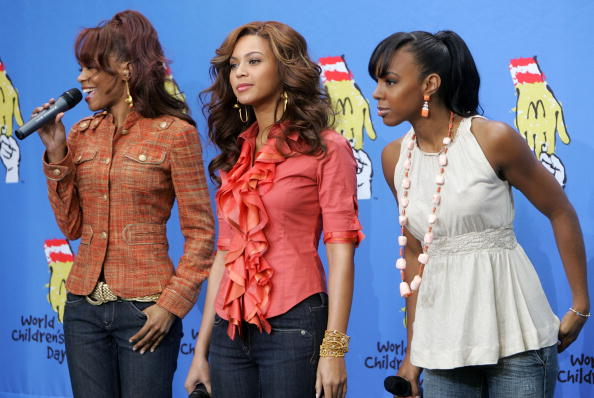 Kelly public「Destiny?s Child and Stars Celebrate World Children?s Day at McDonald?s」:写真・画像(12)[壁紙.com]