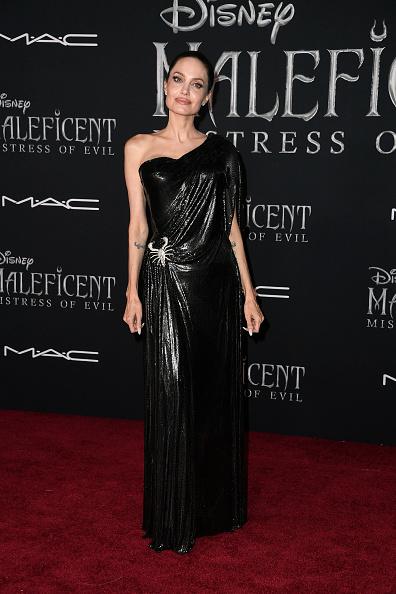 """アンジェリーナ・ジョリー「World Premiere Of Disney's """"Maleficent: Mistress Of Evil""""  - Arrivals」:写真・画像(5)[壁紙.com]"""