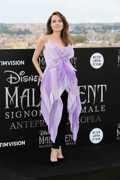 """アンジェリーナ・ジョリー「""""Maleficent – Mistress Of Evil"""" Photocall」:写真・画像(0)[壁紙.com]"""