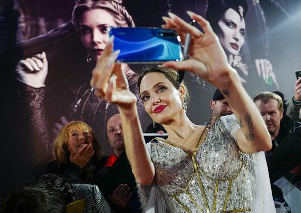 """アンジェリーナ・ジョリー「European Premiere Of """"Maleficent: Mistress of Evil""""」:写真・画像(15)[壁紙.com]"""