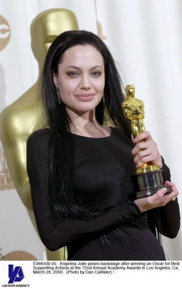 アンジェリーナ・ジョリー「72nd Annual Academy Awards」:写真・画像(3)[壁紙.com]