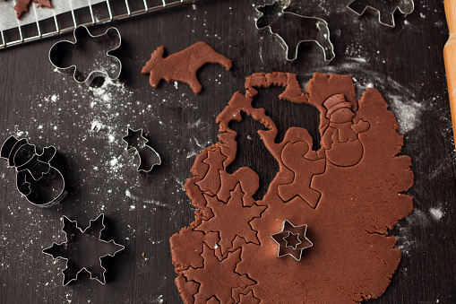 snowman「Pastry cutters and gingerbread dough」:スマホ壁紙(16)
