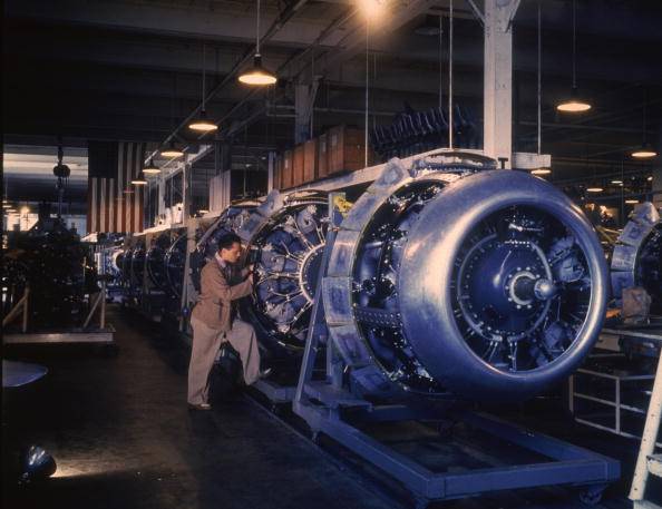 Inglewood「Assembling B-25 Bombers」:写真・画像(15)[壁紙.com]