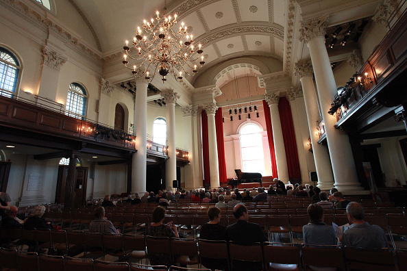 T 「Composers In Love At St John's Smith Square」:写真・画像(2)[壁紙.com]