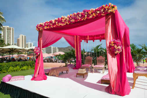 Indian Culture「Pink decorations at Hindi wedding」:スマホ壁紙(8)