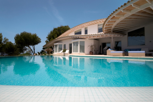 Deck Chair「Luxury Villa and Infinity Swimming Pool」:スマホ壁紙(5)