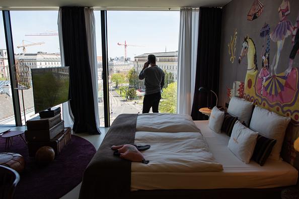 Hotel「The Coronavirus In Austria: Week 6」:写真・画像(2)[壁紙.com]