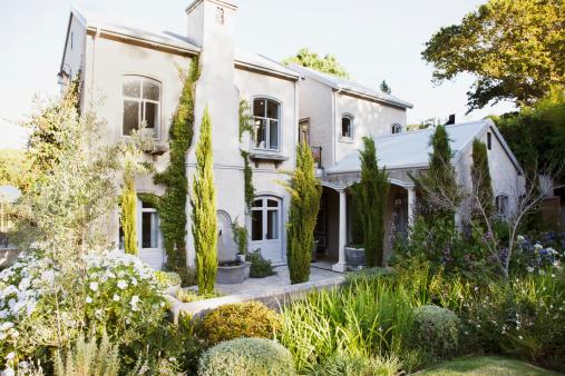 South Africa「House and garden」:スマホ壁紙(4)