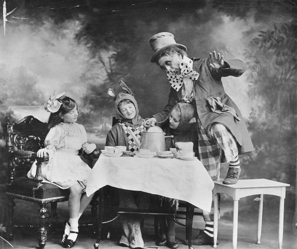 Alice in Wonderland「Mad Hatter」:写真・画像(2)[壁紙.com]