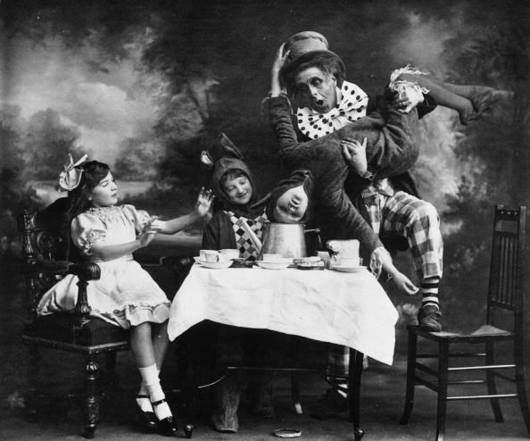 Alice in Wonderland「Mad Hatter」:写真・画像(1)[壁紙.com]