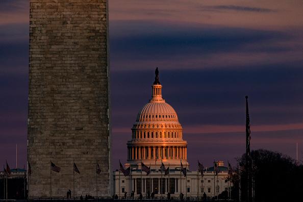 Capitol Hill「Sun Sets On Nation's Capital」:写真・画像(0)[壁紙.com]