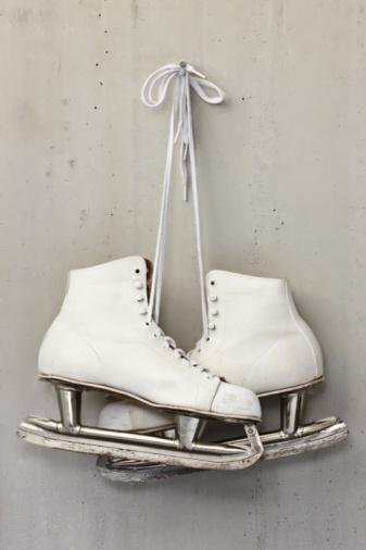 Ice Skate「lady skates old」:スマホ壁紙(9)