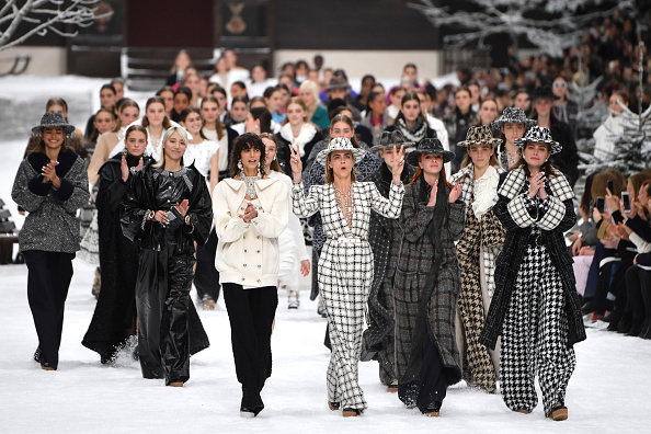 Chanel「Chanel : Runway - Paris Fashion Week Womenswear Fall/Winter 2019/2020」:写真・画像(3)[壁紙.com]