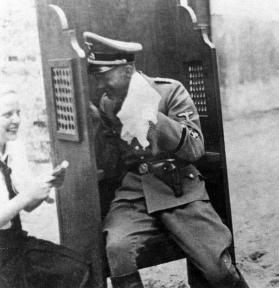 Army Soldier「Nazis Mock Catholicism」:写真・画像(17)[壁紙.com]