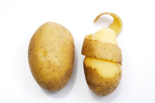 新鮮「Peeled potato, elevated view」:スマホ壁紙(6)