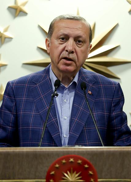 Stringer「Turkey Holds A Referendum On Significant Constitutional Amendments」:写真・画像(4)[壁紙.com]
