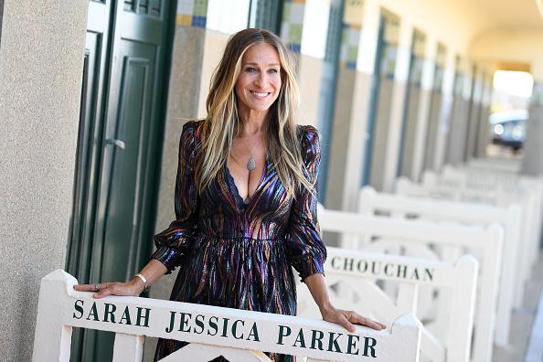 Sarah Jessica Parker「Sarah Jessica Parker Receives Deauville Talent Award : Photocall - 44th Deauville American Film Festival」:写真・画像(1)[壁紙.com]