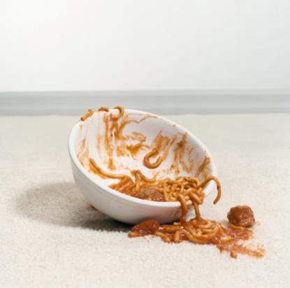 Tomato Sauce「Bowl of Spaghetti on Carpet」:スマホ壁紙(4)