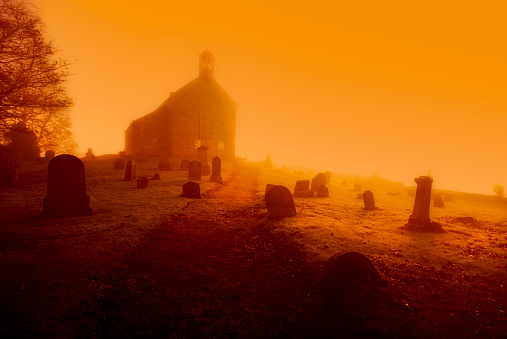 Chapel「United Kingdom, Scotland, Fife, graveyard, conceptual apocalyptic」:スマホ壁紙(9)