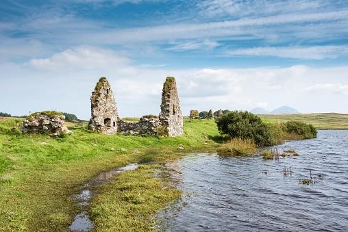 Castle「United Kingdom, Scotland, Inner Hebrides, Isle of Islay, Finlaggan Castle on island of Eilean Mor」:スマホ壁紙(13)