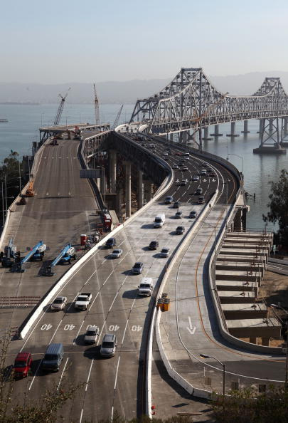 San Francisco-Oakland Bay Bridge「Bay Area Escapes Massive Gridlock With Emergency Repair Of Bay Bridge」:写真・画像(16)[壁紙.com]