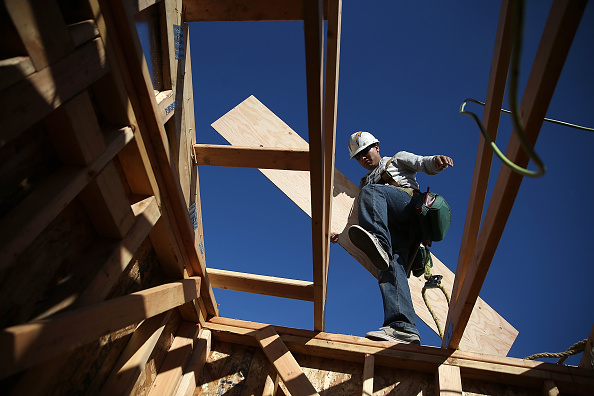 Construction Industry「Increase In Housing Starts At End Of Year Signals Housing Market Recovery」:写真・画像(1)[壁紙.com]