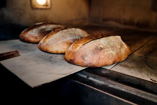 Sourdough Bread「Freshly baked sourdough bread.」:スマホ壁紙(16)