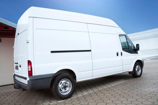Van - Vehicle「White Van on parking lot is waiting for next order」:スマホ壁紙(8)