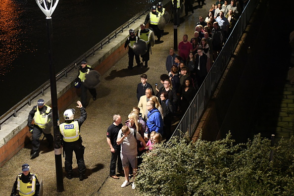Carl Court「Police Attend Incident At London Bridge」:写真・画像(15)[壁紙.com]