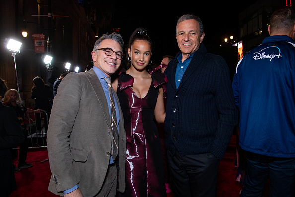 "The Mandalorian - TV Show「Premiere Of Disney+'s ""The Mandalorian"" - Red Carpet」:写真・画像(12)[壁紙.com]"
