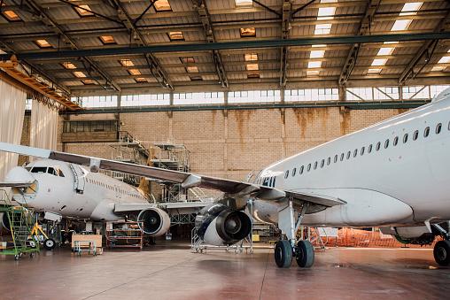 Commercial Airplane「Aircraft hangar」:スマホ壁紙(10)