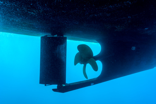 Focus On Background「An underwater view of a boat propeller and rudder.」:スマホ壁紙(16)