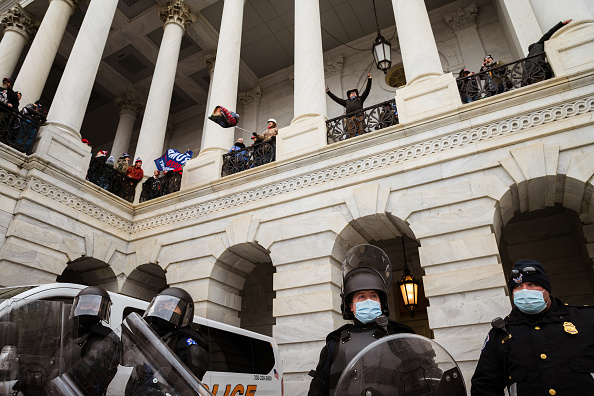 """Capitol Hill「Trump Supporters Hold """"Stop The Steal"""" Rally In DC Amid Ratification Of Presidential Election」:写真・画像(10)[壁紙.com]"""