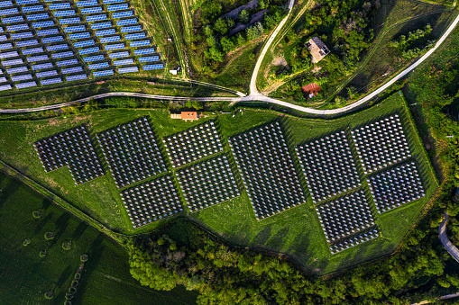 Ecosystem「Solar energy station in countryside aerial view」:スマホ壁紙(19)
