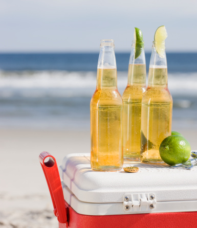 Beer - Alcohol「Beer and cooler on beach」:スマホ壁紙(0)