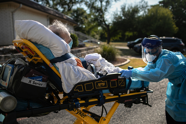 Patient「Texas EMS First Responders Face Higher Caseload Amid COVID-19 Pandemic」:写真・画像(13)[壁紙.com]