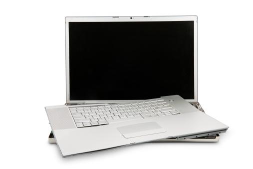Demolished「Destroyed Laptop」:スマホ壁紙(13)