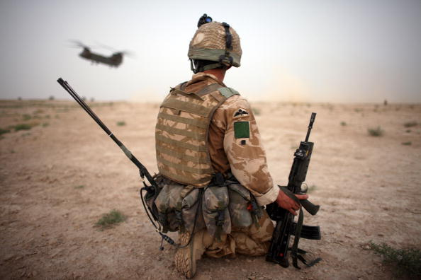 Army Soldier「British Paratroopers Conduct Operation 'Southern Beast' In Afghanistan」:写真・画像(19)[壁紙.com]