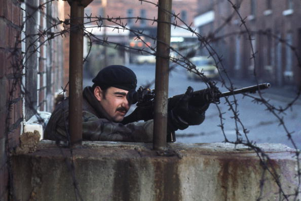 Army Soldier「Sniper In Ireland」:写真・画像(7)[壁紙.com]