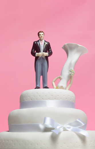 Female Likeness「Wedding cake bride groom dumps wife」:スマホ壁紙(4)