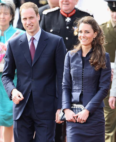 Royal Wedding of Prince William and Catherine Middleton「Prince William And Kate Middleton Visit Darwen」:写真・画像(13)[壁紙.com]