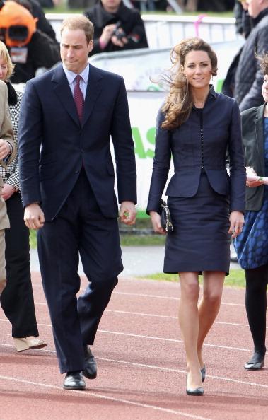 Royal Wedding of Prince William and Catherine Middleton「Prince William And Kate Middleton Visit Darwen」:写真・画像(11)[壁紙.com]