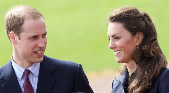 Royal Wedding of Prince William and Catherine Middleton「Prince William And Kate Middleton Visit Darwen」:写真・画像(7)[壁紙.com]