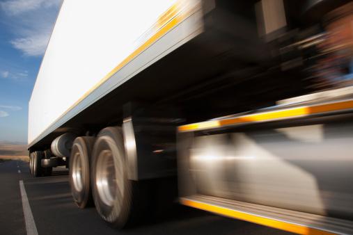 South Africa「Semi-truck speeding on remote road」:スマホ壁紙(17)
