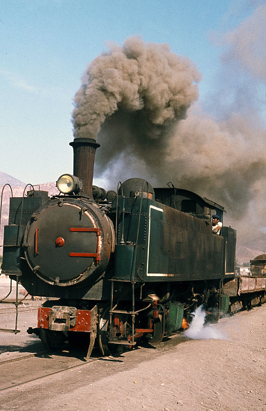 Atacama Region「The World's last Kitson Meyer articulated working at Taltal in Chile's Atacama Desert. Built by Kitson of Leeds during the Edwardian may of there locomotives were used to bring gold and nitrates from the interior to ports on Chile's Atlantic coast.」:写真・画像(15)[壁紙.com]