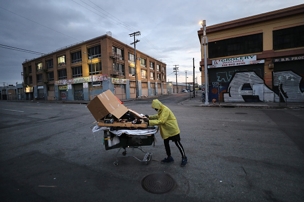 Homelessness「Coronavirus Pandemic Causes Climate Of Anxiety And Changing Routines In America」:写真・画像(16)[壁紙.com]